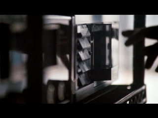 Nakamichi RX в фильм 9 1/2 недель (на 43 сек)