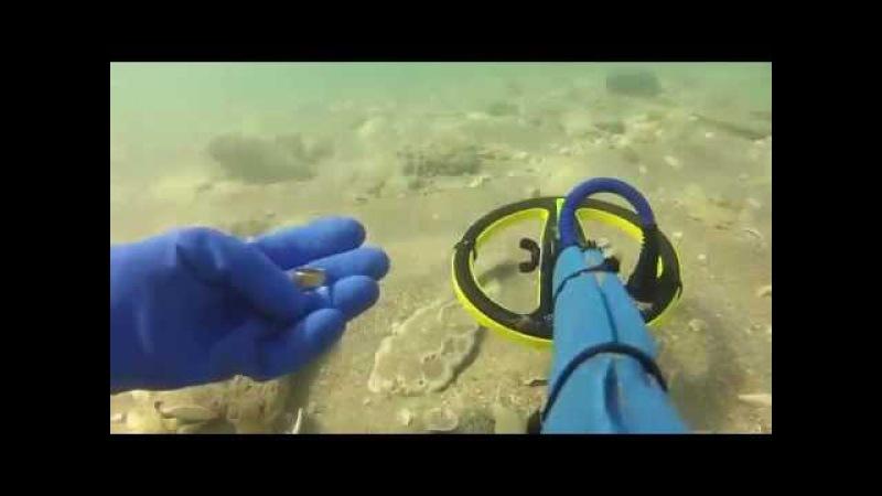 Поиск золота под водой с металлоискателем minelab excalibur .