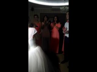 Наша невеста исполняет песню для жениха!!! 12.08.16