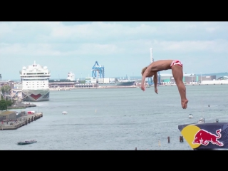 Топ три лучших прыжка на Red Bull Cliff Diving