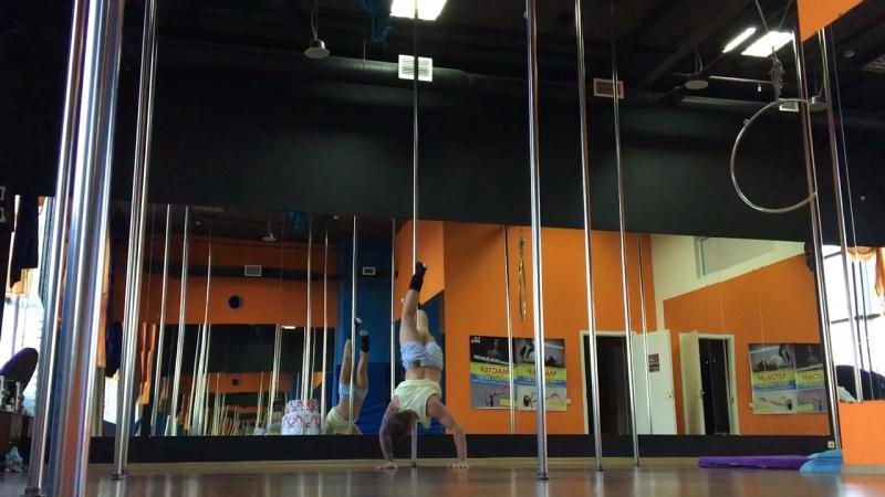 Pole dance tricks, combo. Комбинация на пилоне.Сидоров Максим