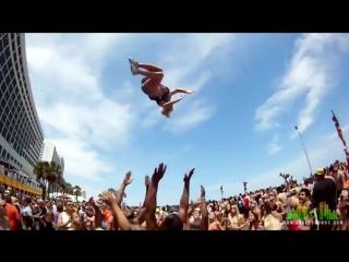 Экстремальные прыжки красивых девушек! Спортсменки и спортсмены!