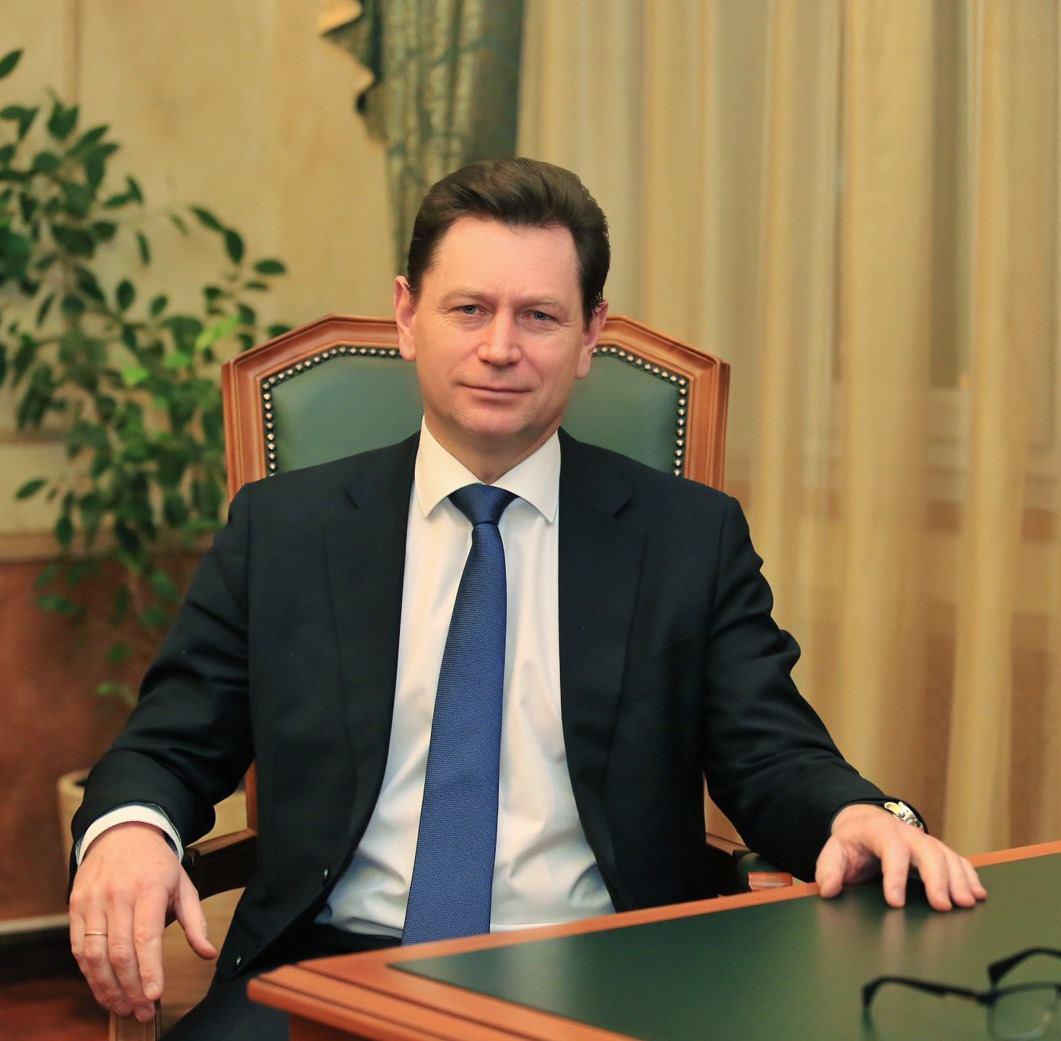Префект Алексей Пашков поздравил школьников с Днем знаний