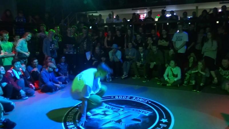 Dam'en (win) vs VanCheck Hip-hop Pro FINAL (7 years unniversary U13)