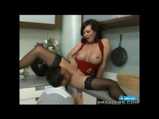 Порно мамку друга на кухне фото 263-933