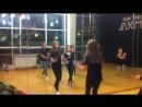 девочки учатся танцевать дабку набор в группу восток дети вторник и воскресенье 14 00