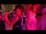 Sarvi i Sasha shikarno tantsujut -