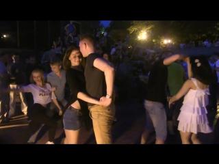 Марина Иентш и Макс Судаков. Танцы- Хастл-ОпенЭиры. Парк Горького N 9