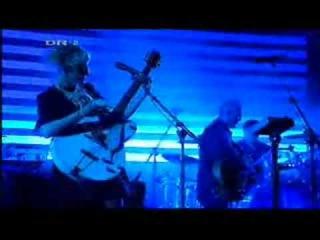 Massive Attack featuring Stephanie Dosen - Teardrop (Live)