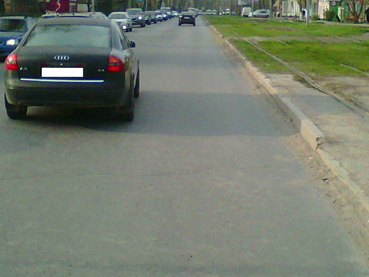 В Таганроге автоледи на Audi A6 сбила 22-летнюю девушку