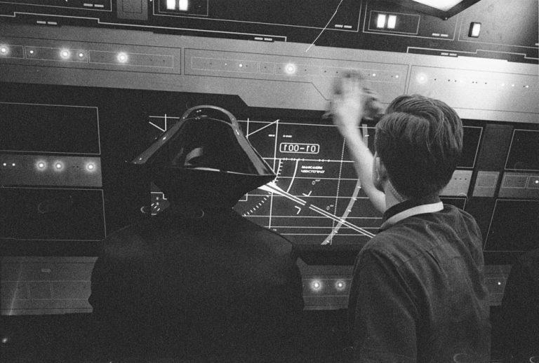 Star Wars 8: Райан Джонсон опубликовал фото