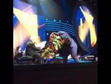 Вручение цветов Шарипу Умханову и Раймонду Паулсу (Москва 26.02.2016)