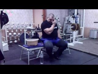 Виктор Тесцов в футболке Я ♥ ПАУЭРЛИФТИНГ
