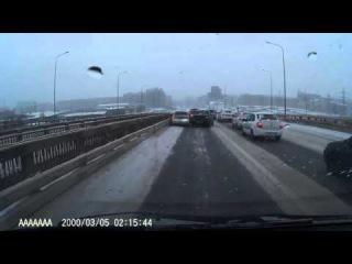 Авария в Сургуте 26 11 2015  группа: http://vk.com/avtooko сайт: http://avtoregik.ru Предупрежден значит вооружен: Дтп, аварии,а