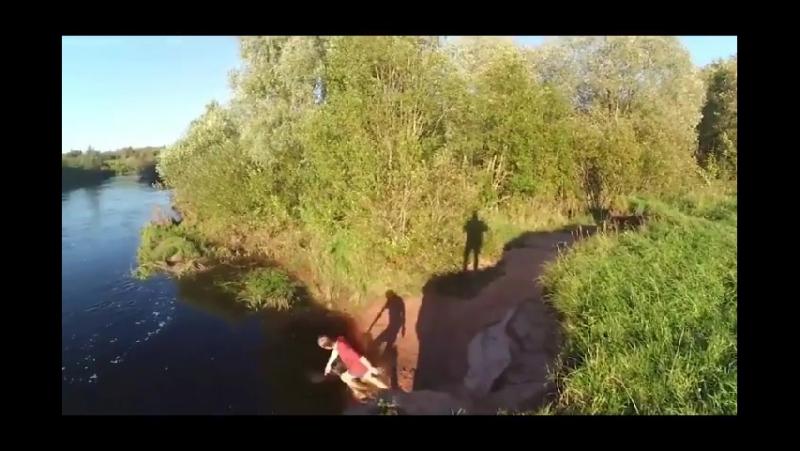 Пьяный Киря херни не посоветует, сделай заднюю сальтуху в реку говорил он, все будет нормально твердил он.