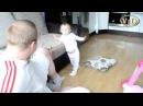 Дочка объясняет папе что он не прав Убери подушку! Отец и дочь Приколы малыши
