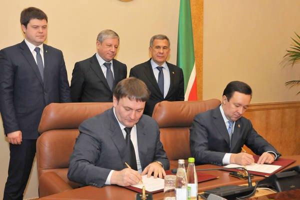 Власти Татарстана подписали соглашение с «Газпром газомоторное топливо» о строительстве в Чистополе завода за 9 млрд рублей