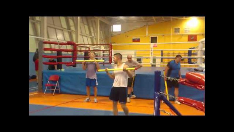 Бокс Выкидывание грифа
