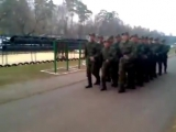 Солдаты поют Звезду по имени Солнце.