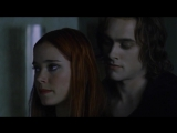 Stuart Townsend (Lestat) and Marguerite Moreau (Jesse) (scene from 'Queen of the Damned' 2002)