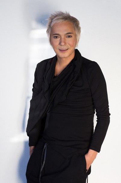 Олег Яковлев, певец, экс-вокалист группы «Иванушки International»