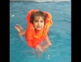 Дети это наше все... моя крестница)) учимся плавать в спортивном комплексе Арена))
