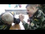 Армрестлинг Кадетов/ Зверь  (РЖАЧ, ПРИКОЛ, СМЕШНО)