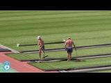 Укладка нового газона на стадионе