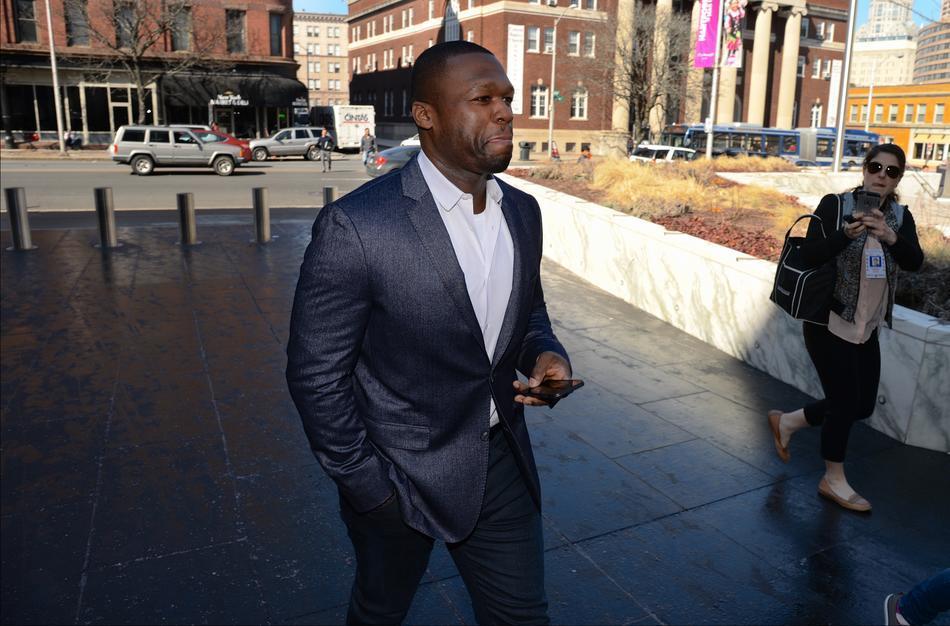 Судья запретил 50 Cent пользоваться электронными устройствами  в зале суда