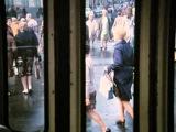 Андрей Мягков - Нас в набитых трамваях болтает...