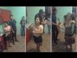 Танцуют молодые румынские цыгане
