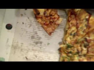 #ХэлоуВоркута | Жук в пицце из ресторана Магнат в Воркуте