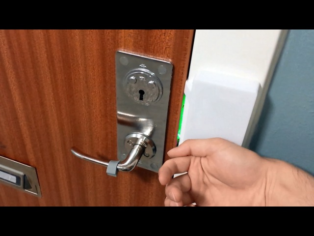 Raspberry Pi RFID door lock NFC chip implant