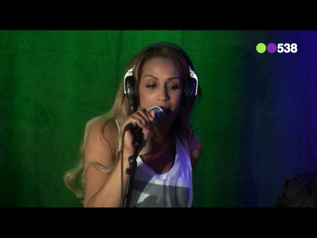 Glennis Grace I Cant Stand The Rain live bij Evers Staat Op)