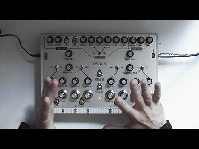 LYRA 8 organismic synthesizer Demo of the prototype with English subtitles