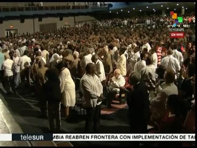 Fidel Castro asiste a gala cultural con motivo de su cumpleaños 90
