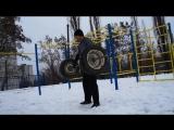 Упражнения на спортивной площадке в зимний период.