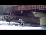 Авария 17.12.2013 Кривой Рог. BMW слетела с моста в реку.