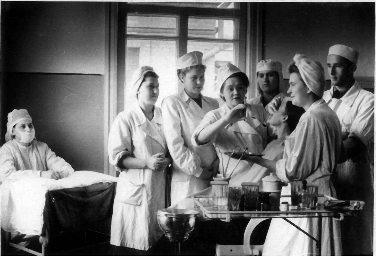 starie-foto-medikov
