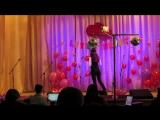Тетяна Карасьова на районному вокальному конкурсі англійської пісні