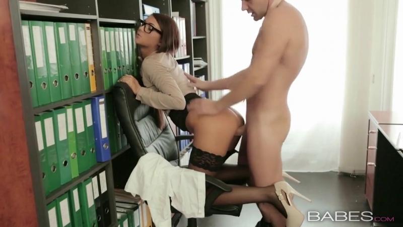 директорка занимаеться сексом