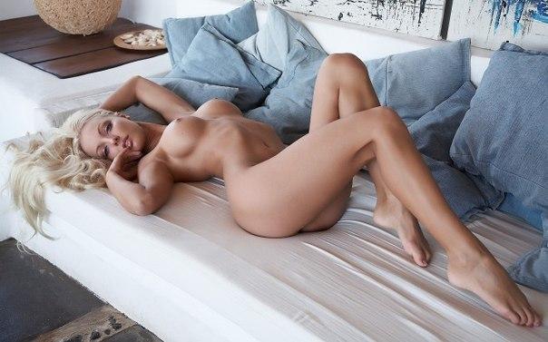 Skyla big ass takes doggy Sex