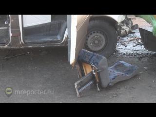 Четыре человека пострадали в ДТП рейсового автобуса и маршрутки на Варшавском шоссе