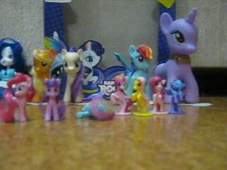 Пони,куклы,мелкие игрушки,рисунки,раскраски. - Посвящается пони и Эквестрии.