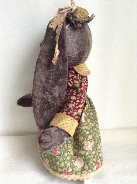 Винтажные мишка Потап и зайка Стеша.Сшиты из старого плюша,тонированы кофе и акрилом....