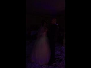 Танцует Дядя Миша и племянница Ксения- невеста?