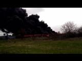 Поезд с нефтепродуктами охвачен охвачен огнем в Луганске