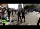 Ирак: Армия использовал слезоточивый газ, как протестующие возле Багдада Зелёной Зоны.