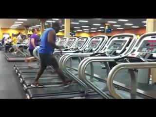 Dance on a treadmillТанец на беговой дорожке