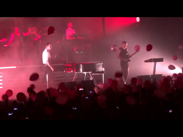 Hurts - Warszawa Torwar 14.03.2016 (balony)